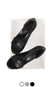 """UTG rossi outcut sandals <br> (3 colors) <br> <font color=#82C7E4 size=""""1.9"""" face=verdana>COLOR ADD</font>"""