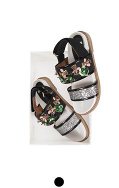 """flower embellished sandals <br> <font color=#ff9999 size=""""1.9"""" face=verdana>BEST BUY</font>"""