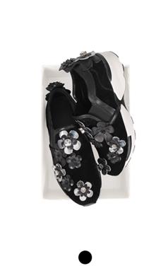 flower embellished slipon