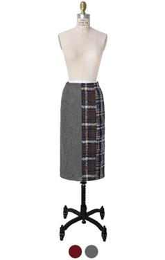 tweed embellished pencil skirt