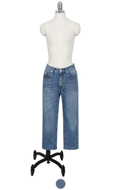 "favorite cropped winter denim <br> <font color=#82C7E4 size=""1.9"" face=verdana>SIZE ADD</font>"