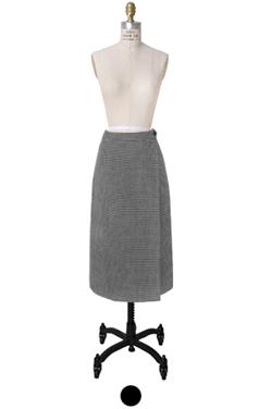 "houndtooth H-line skirt <br> <font color=#82C7E4 size=""1.9"" face=verdana>SIZE ADD</font>"