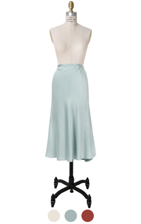 mustbuy satin skirt