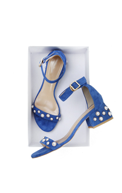 "pearl embellished sandals <br> <font color=#ff9999 size=""1.9"" face=verdana>BEST BUY</font>"